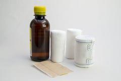 Бортовая аптечка повязки стоковые фото