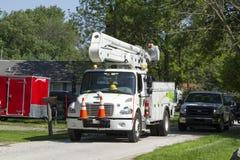 Борьба производителей электроэнергии для того чтобы возвратить обслуживание к клиентам Стоковое Изображение