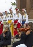 Боснийский музыкант в переднем фонтане os Sebilj Стоковые Фото