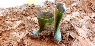 Ботинки во время сезона дождей стоковое фото