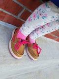 ботинки девушки маленькие Стоковые Фото