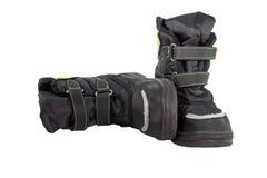 Ботинки зимы черных детей нейлона стоковые фото