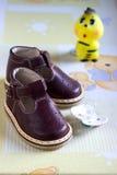 ботинки красного цвета младенца Стоковые Изображения RF