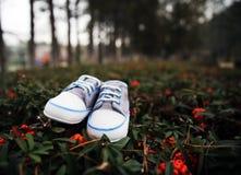 ботинки младенца малые стоковое изображение rf
