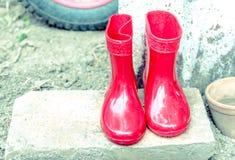 Ботинки младенца красного цвета Стоковое Изображение RF