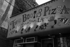 2 ботинки & пиццы Стоковая Фотография