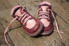 Ботинки ребенк кожаные Стоковые Фото