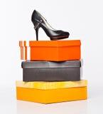 ботинки способа коробок Стоковые Фотографии RF