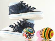 ботинки шарика 4 младенца стоковые изображения rf