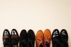 ботинки людей s ботинки людей натюрморта моды Стоковое фото RF