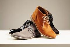 ботинки людей s натюрморт моды людей ботинки Стоковое Фото