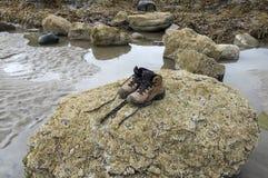 ботинки hiking сиротливые пары Стоковые Фото