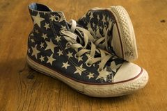 Ботинок играет главные роли винтажные шнурки Стоковое фото RF