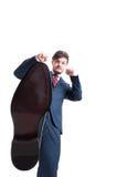 Ботинок низкого угла бизнесмена смотря сердитый Стоковое Изображение RF