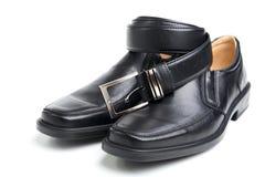ботинок пар s чернокожего человек пояса Стоковое фото RF