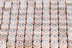Бочонки Lotto выровнянные вверх по в ряд Стоковые Изображения