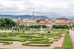 Более низкие бельведер и сады в вене, Австрии стоковое фото rf