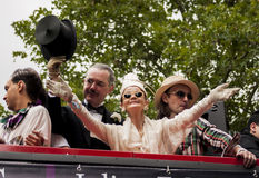 Более старая дама во время парада гей-парада Стоковые Изображения RF