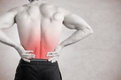 болея ушиб изображения задней кровати desaturated испытывая кладя мыжской soreness плеч боли шеи мышцы человека частично строгий  Стоковые Фотографии RF