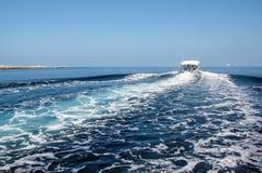 Бодрствование корабля Стоковая Фотография