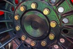 Болты на крупном плане колеса трактора Стоковое Изображение RF