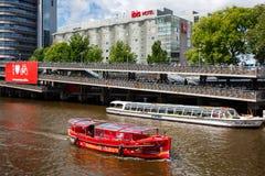 Большая автостоянка велосипеда в Амстердаме Стоковые Изображения RF