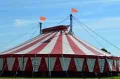большая верхняя часть шатра цирка Стоковые Изображения