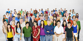 Большая группа в составе многонациональная концепция разнообразия людей стоковая фотография rf