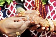 Большая индусская свадьба с этим thee кольца i Стоковая Фотография