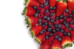Большая куча свежих ягод изолированных на белой предпосылке Взгляд сверху Стоковые Изображения