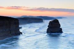 Большая дорога океана - 12 апостолов на зоре Стоковое Фото