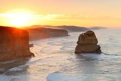 Большая дорога океана - 12 апостолов на зоре Стоковые Изображения