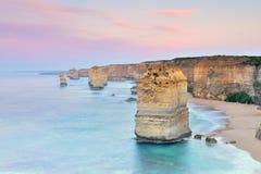 Большая дорога океана - 12 апостолов на зоре Стоковое фото RF