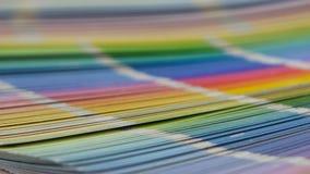 Большая палитра с красочными примерами красок доказательства конец вверх сток-видео