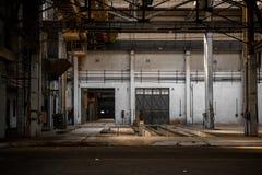 Большая промышленная дверь Стоковая Фотография