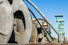 Большая промышленная система шкива с цепными колесами стоковое изображение