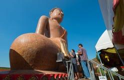 Большая статуя Будды на виске Phra челки Wat Klang Стоковые Изображения RF
