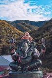 Большая статуя Ganesha и индусский бог, Таиланд, отростчатый цвет Стоковое Изображение RF