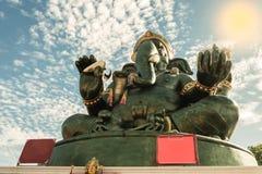 Большая статуя Ganesha и индусский бог, Таиланд, отростчатый цвет Стоковые Фотографии RF