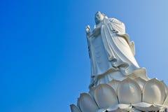 Большая статуя Guan Yin богини Стоковое Изображение