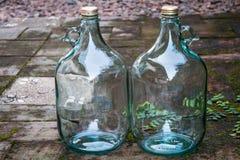 Большая стеклянная бутылка вина для рециркулирует цель Стоковые Фотографии RF