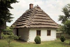 Большая съемка старого деревенского дома Стоковые Изображения RF