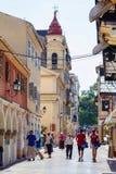 Большая туристская улица города Корфу Стоковые Изображения RF