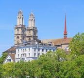 Большие башни собора монастырской церкви Стоковая Фотография