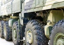 Большие воинские колеса трактора Стоковая Фотография RF