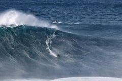 Большие волны @ Nazaré 2016 10 24 - Sebastian Steudtner Стоковые Изображения RF