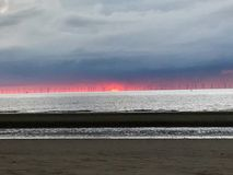 большие голубые облака плавают вдоль побережья ветер белизны погоды неба Ирландии восточной фермы славный Стоковое Изображение RF