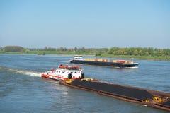 Большие грузовие корабли в ландшафте голландеца стоковая фотография rf