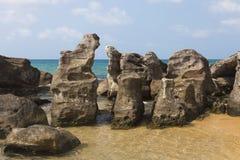 Большие камни на море стоковая фотография rf