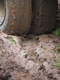 Большие колеса тележки на грязи Стоковое Изображение RF